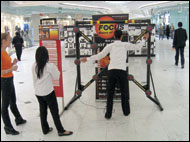 boots-girls-playing-batak