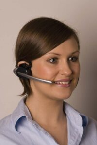 q-digital-retail-headset-2