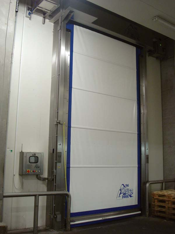 u201cOur industrial rapid roll doors ... & Union Industries completes another installation at CDS Hackner GMBH ...